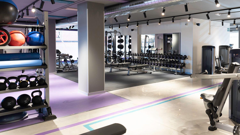 Anytime Fitness dota a sus clubes de dispositivos de terapia de percusión y esferas y rodillos de masaje