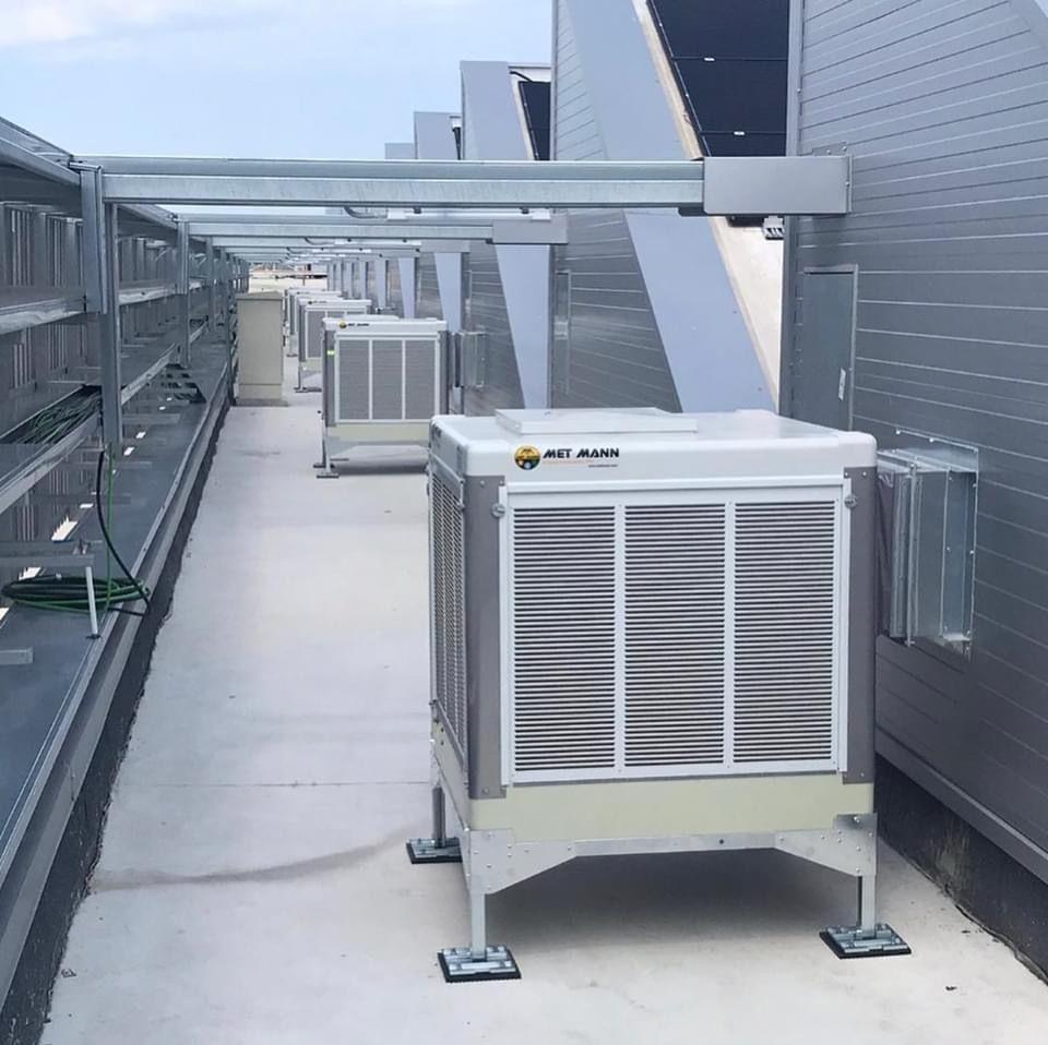 Foto de Climatizadores evaporativos instalados en BIOMARKET