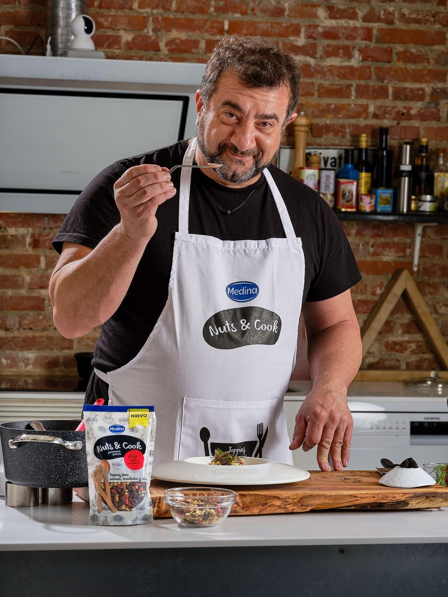 """El chef Sergio Fernández, nuevo embajador de la gama """"Nuts & Cook"""" de Aperitivos Medina"""