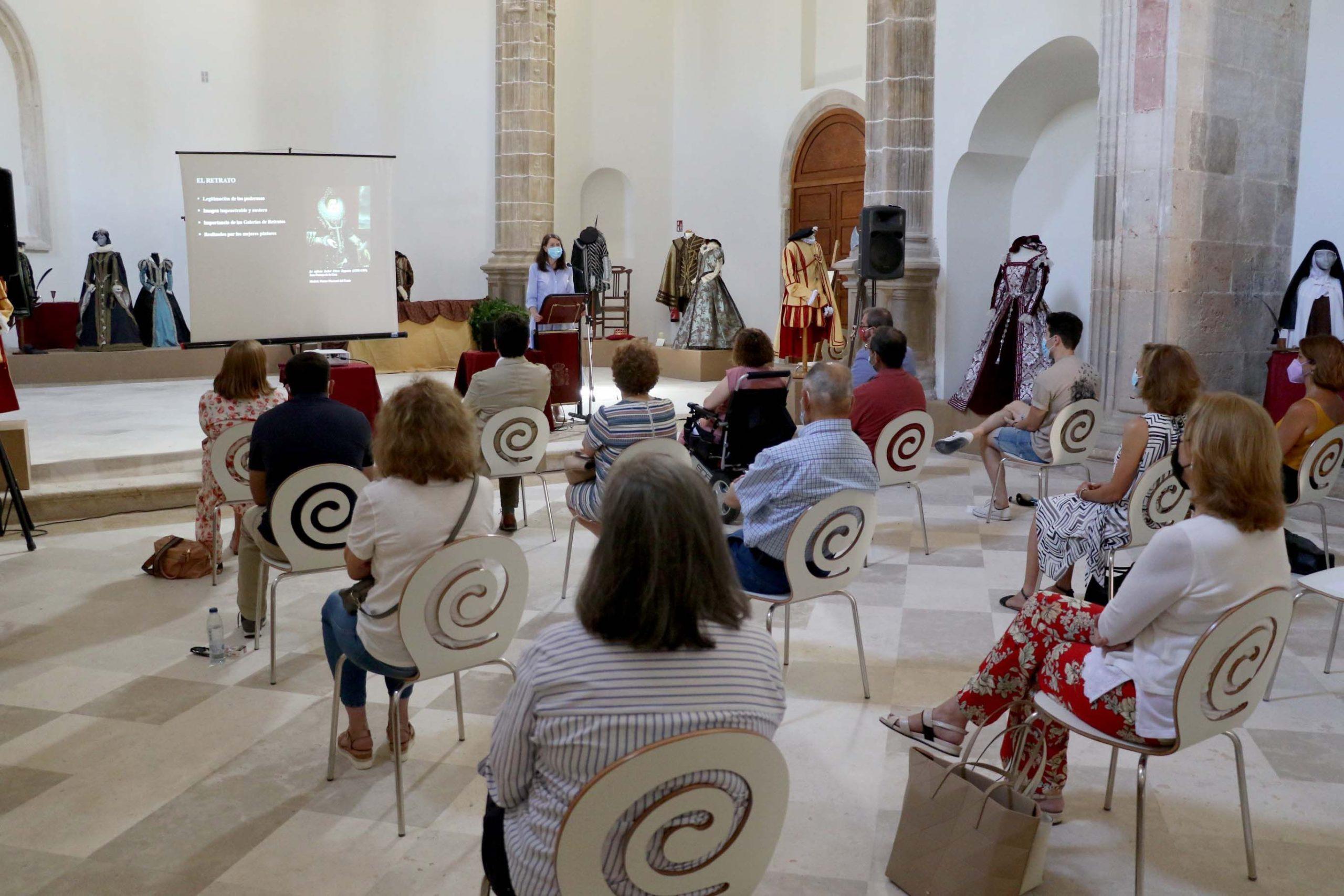 Inaugurada una exposición permanente de trajes renacentistas en Pastrana