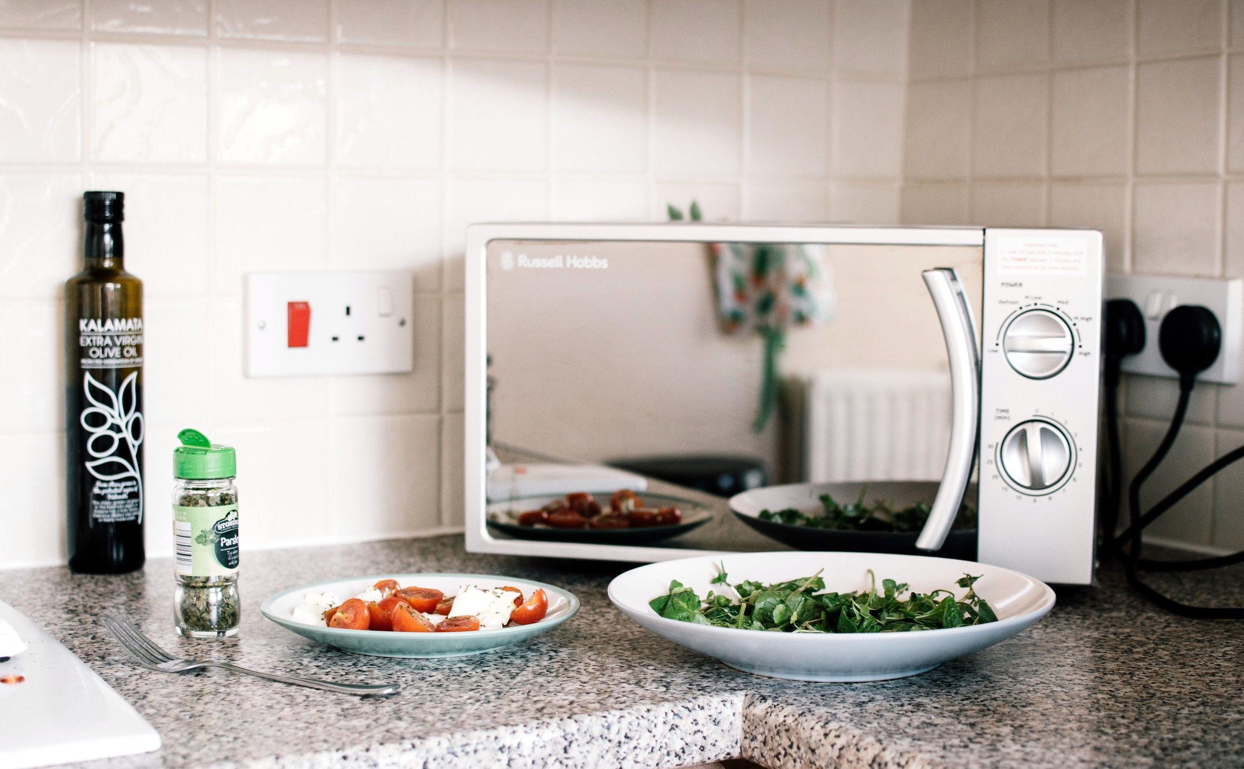Cómo elegir el mejor microondas y la mejor picadora para la cocina, según hornomicroondas.com.es