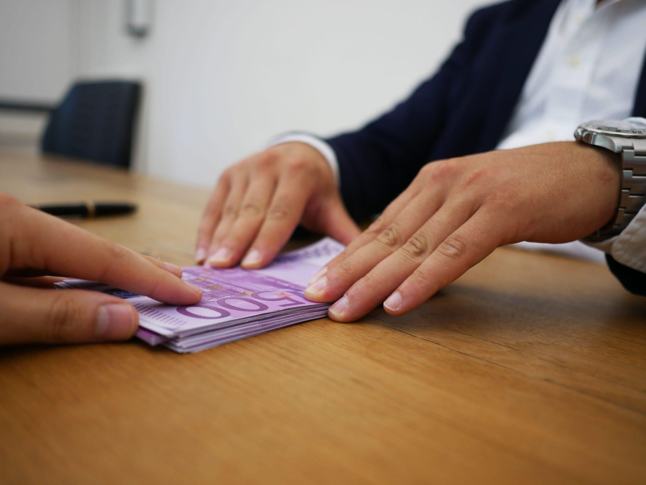 Creditoareportados.com explica qué son los préstamos a reportados y qué entidades los otorgan en Colombia